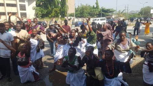 Half-Naked Women Protests At Abuja High Court Over Continued Detention Of Sowore [Video] 1