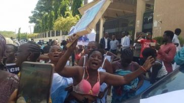 Half-Naked Women Protests At Abuja High Court Over Continued Detention Of Sowore [Video] 7