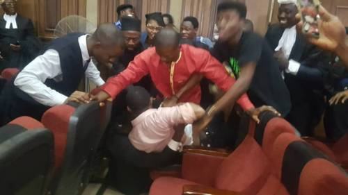BREAKING: Chaos Inside Abuja Courtroom As DSS Attempts To Re-Arrest Sowore [Video] 1