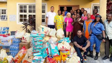Cardi B Donates Massively As She Visits Orphanage Home In Lagos [Photos] 2