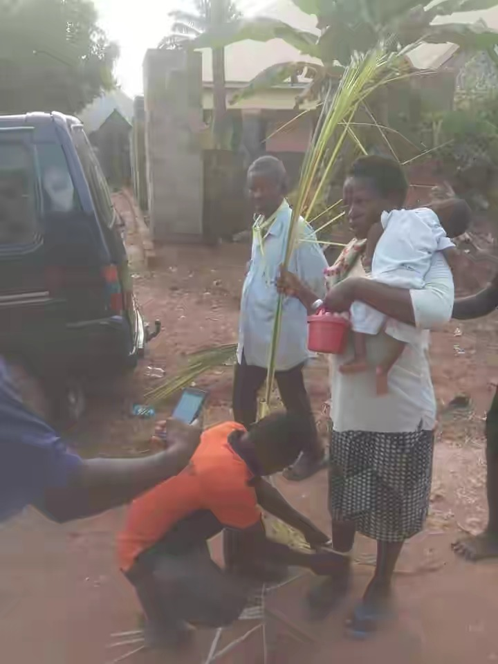 70-Year-Old Man Banished From Anambra Community For Impregnating His Daughter Twice [Photos] 3