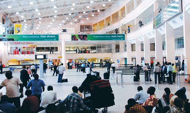 47-Year-Old Nigerian Man Who Returned From China, Slumps And Dies At Lagos Airport 1