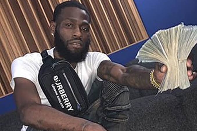 Bank Employee Arrested After Posing On Social Media With $88,000 Cash He Allegedly Stole 2