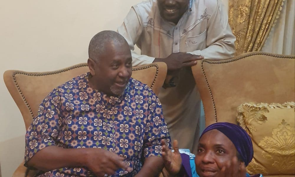 First Thing Dasuki Did When He Returned Home After 4 Years In DSS Detention [Photos] 1