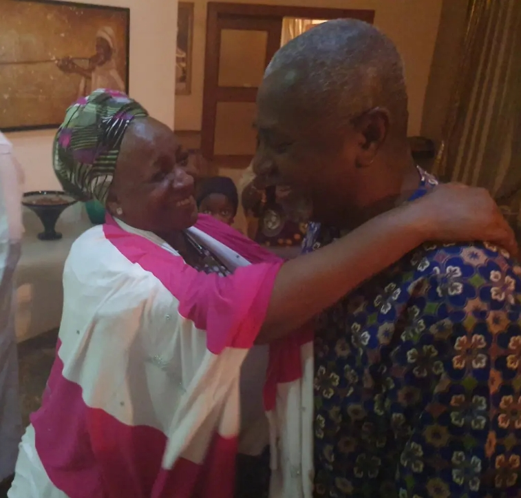 First Thing Dasuki Did When He Returned Home After 4 Years In DSS Detention [Photos] 3