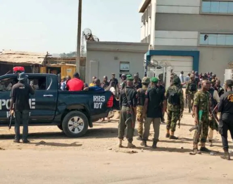 Atiku Reacts As Policemen, Soldiers Foil Armed Robbery Attack In First Bank Abuja 1