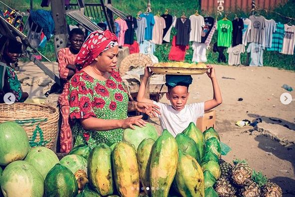 Toyin Lawani Makes Her Son Hawk Fruits On The Streets To Mark His 6th Birthday [Photos] 1