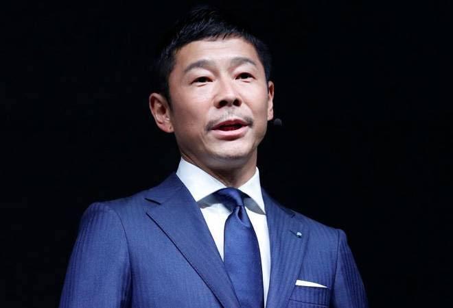 Japanese Billionaire, Yusaku Maezawa Is Giving Out $9 Million To 1000 People On Twitter 1