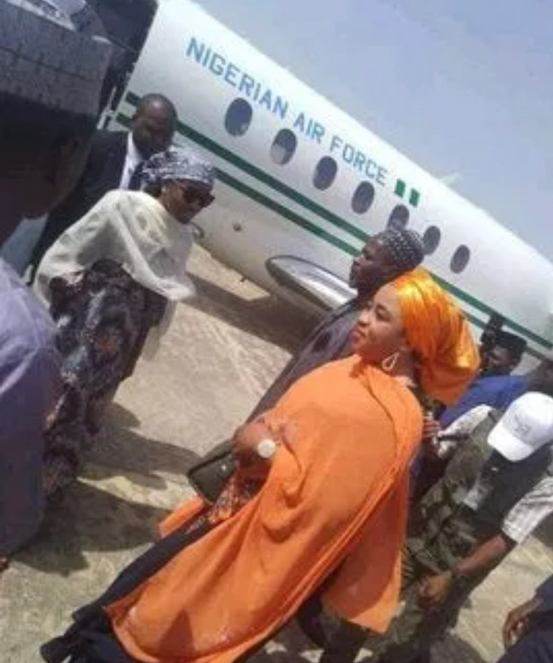 Nigerians Reacts As Buhari's Youngest Daughter Arrives Bauchi In Presidential Jet For Photoshoots 1