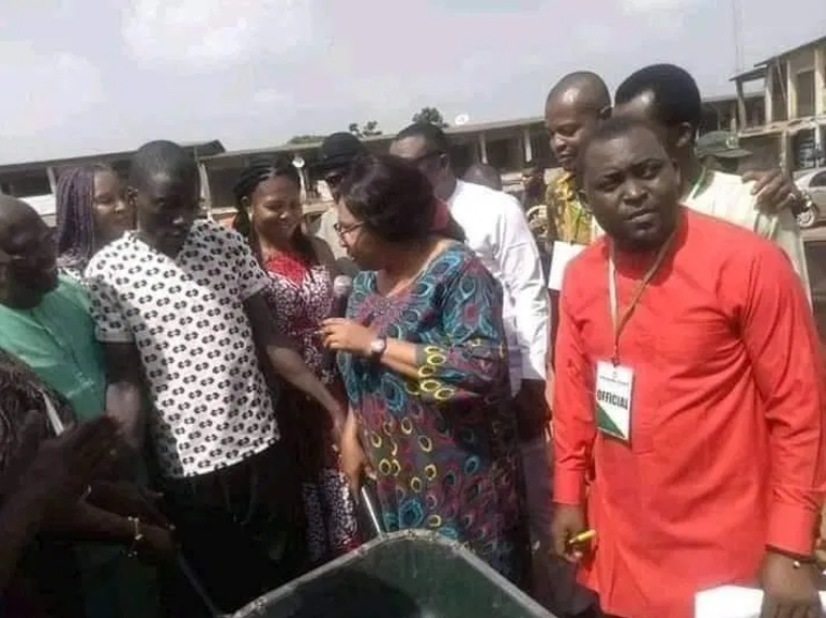 Outrage As Enugu Local Government Chairman Empowers Youths With Wheelbarrows [Photos] 1