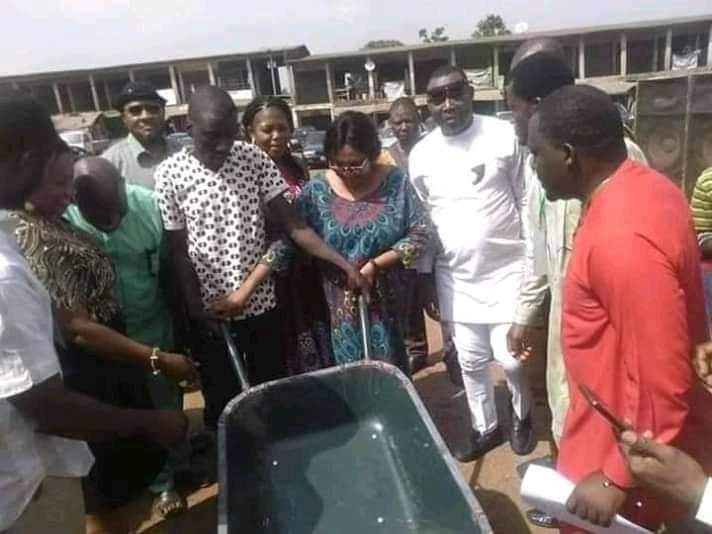 Outrage As Enugu Local Government Chairman Empowers Youths With Wheelbarrows [Photos] 2