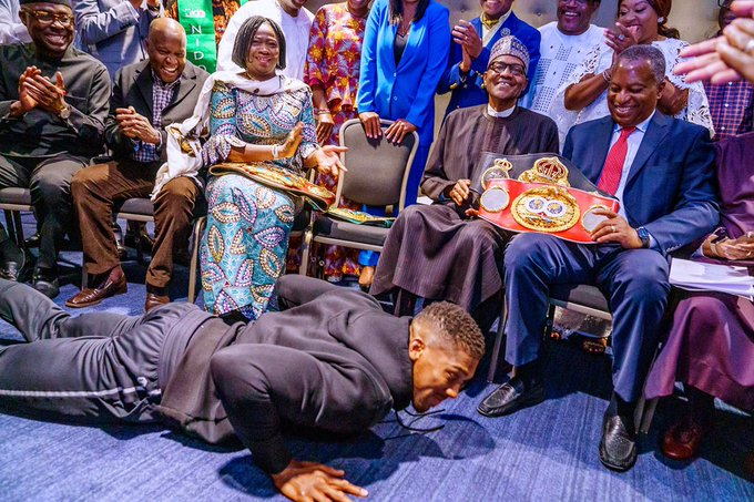 Anthony Joshua Prostate Before Buhari, Presents His Heavyweight Belts To Him In London [Video] 1