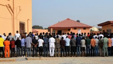 EFCC Storms Notorious 'Yahoo Boys' Club In Ibadan, Arrests 89 Suspected Internet Fraudsters [Photos] 9