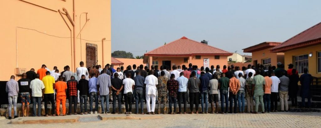 EFCC Storms Notorious 'Yahoo Boys' Club In Ibadan, Arrests 89 Suspected Internet Fraudsters [Photos] 1