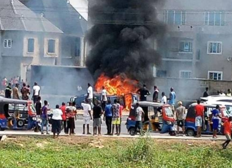 Two Suspected Thieves Burnt To Death After They Tried Robbing A POS Centre In Bayelsa 1
