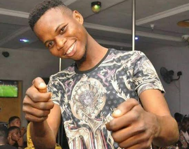 Nigerian Hip Hop Singer, Alimi Abiodun Electrocuted To Death While On Stage In Ogun 1