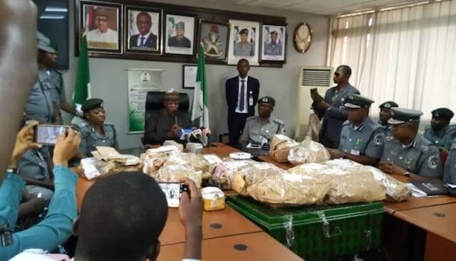 Nigerian Customs Intercept NAHCO Bus Carrying $8.6 Million Cash At Lagos Airport [Photos] 3
