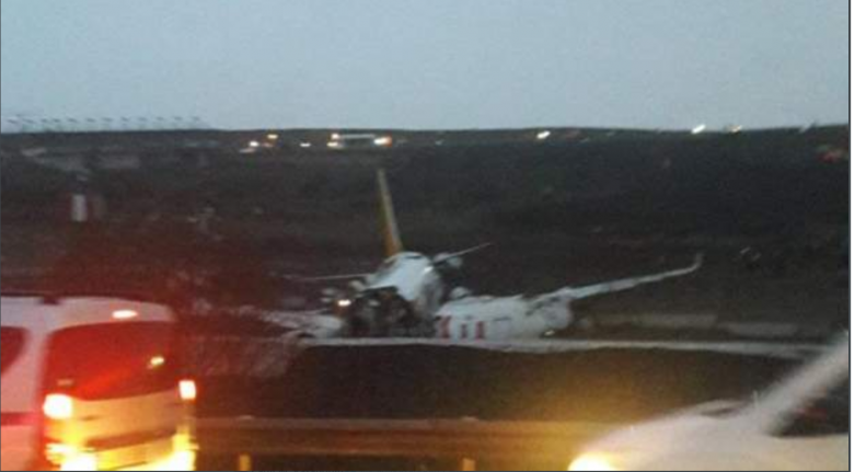Pegasus Airlines Plane Crash Lands In Istanbul Turkey, Breaks into two - PHOTOS - Breaking News 2