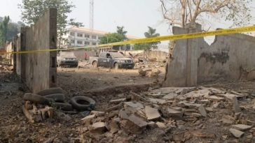 Pandemonium As Bomb Explosion Rocks Ekiti Government House [Photos] 4