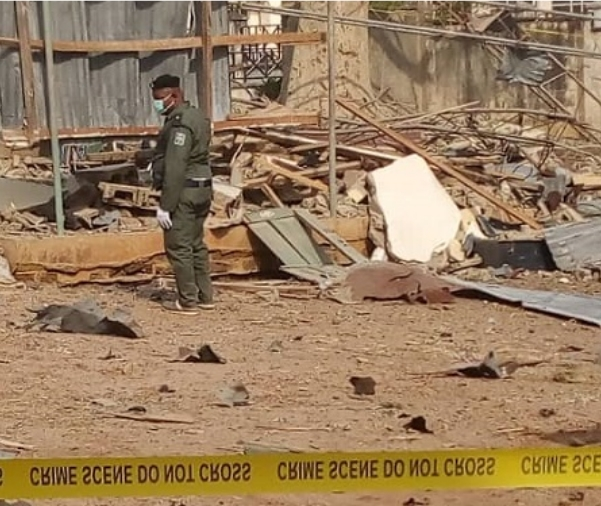 Pandemonium As Bomb Explosion Rocks Ekiti Government House [Photos] 5