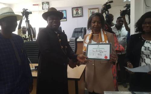 INEC Confirms Duoye Diri As Bayelsa Governor-Elect, Presents Certificate Of Return To Him 1