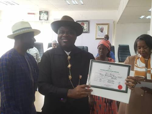 INEC Confirms Duoye Diri As Bayelsa Governor-Elect, Presents Certificate Of Return To Him 2