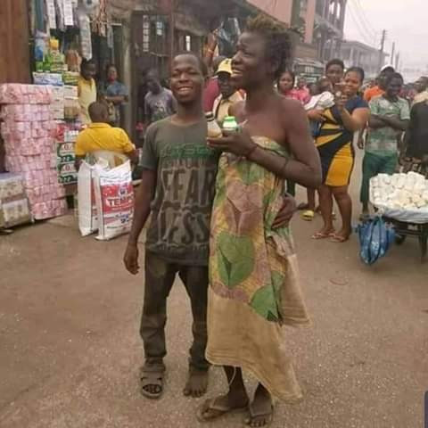 Viral Photos Of Mentally Challenged Couple Celebrating Valentine's Day On The Street Of Edo 3