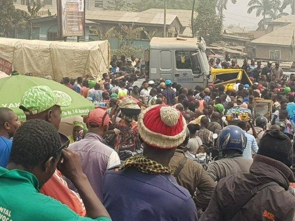 Mob Sets 2 Fully Loaded Dangote Cement Trucks Ablaze After Crushing 6 To Death In Ogun [Photos] 3