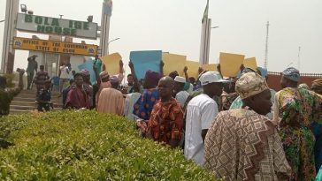 Osun Indigenes Demand Oluwo's Resignation For Beating Up Another Monarch During Peace Meeting 2