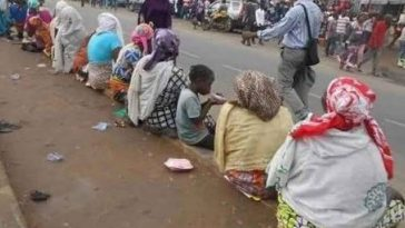 Over 1000 Displaced Persons Floods The Streets Of Maiduguri After Boko Haram Attacks 2