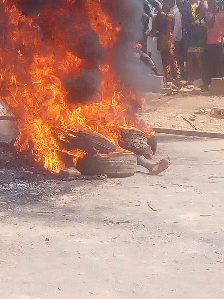 2 Yahoo Boys, Native Doctor, Kidnapper Burnt Alive For Killing 17-Year-Old Girl In Edo [Photos] 1