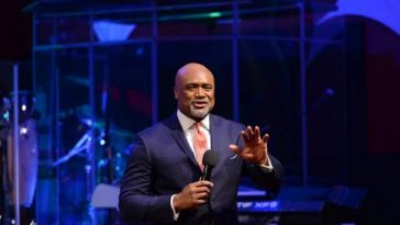 Pastor Paul Adefarasin Raises Thousands Of Dollars For Singer To Buy Diamond Carat Ring [Video] 5