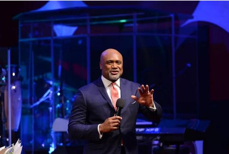 Pastor Paul Adefarasin Raises Thousands Of Dollars For Singer To Buy Diamond Carat Ring [Video] 1
