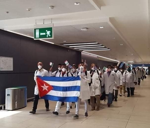 Cuban Doctors And Nurses Arrives Italy To Help Fight Coronavirus [Video] 1