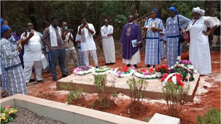 Reverend Sister Henrietta Alokha who died in Abule Ado Explosion has been buried - PHOTOS 4