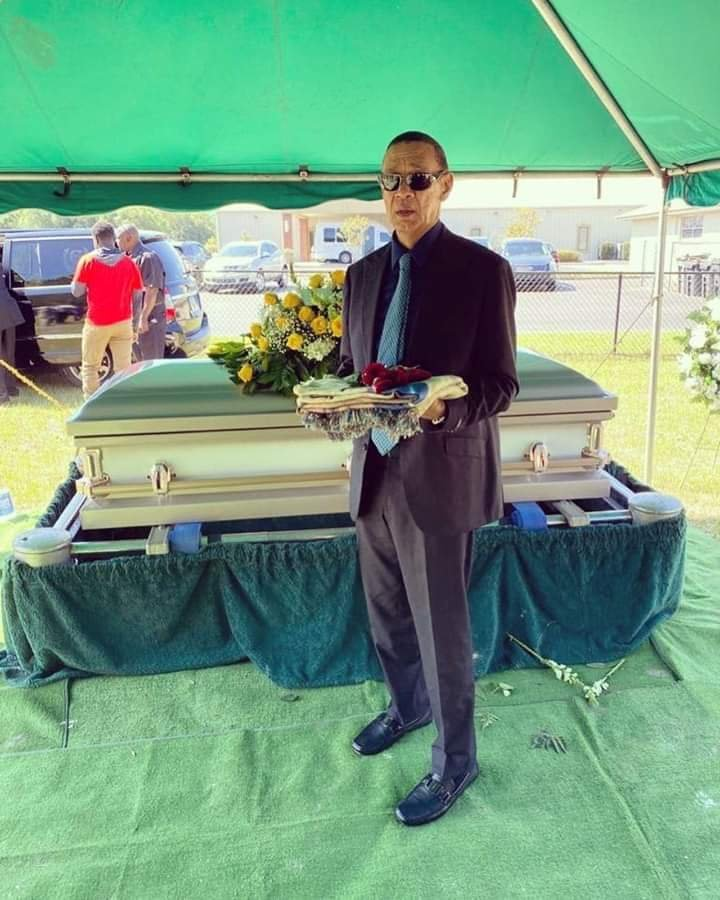 Ben Bruce buries wife Evelyn Murray Bruce - PHOTOS 2