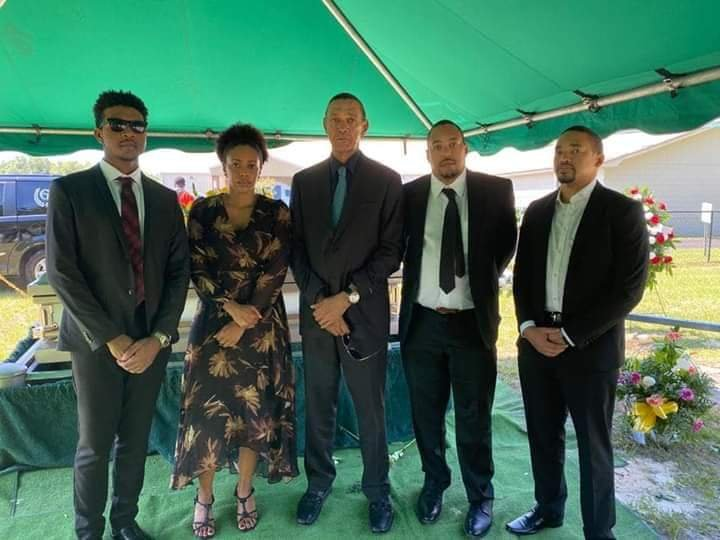 Ben Bruce buries wife Evelyn Murray Bruce - PHOTOS 3