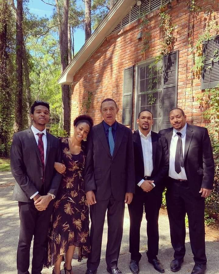 Ben Bruce buries wife Evelyn Murray Bruce - PHOTOS 4