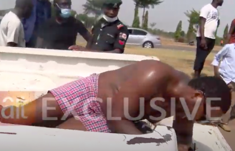 COVID-19 Lockdown: Drama As Hungry Taxi Driver Strips Naked To Protest Seizure Of His Car [Video] 3