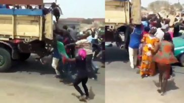 Hungry Nigerians Attack And Steal From Truck Carrying Bags Of Rice In Broad Daylight [Video] 5