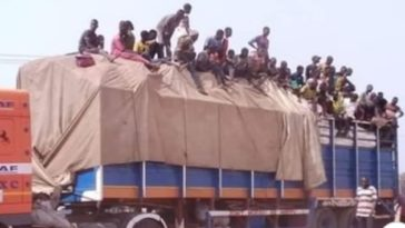 Coronavirus: Niger State Government Turns Back Trailer Filled With Over 50 Lagos Returnees [Photos] 2
