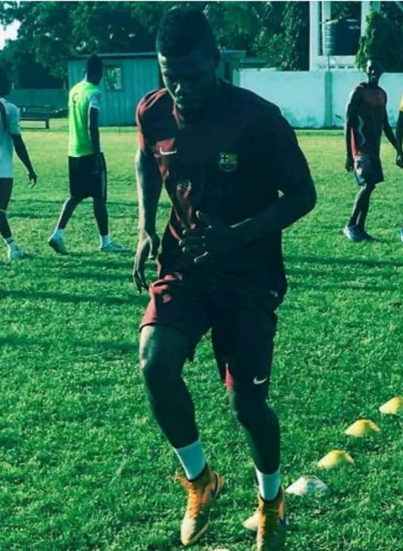 Nigerian Footballer Due To Travel To Portugal, Shot Dead After Mistaken For Gang Member In Lagos 1