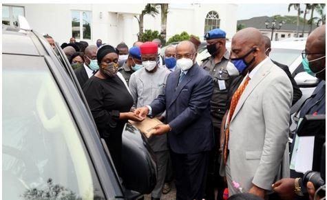 Governor Uzodimma Buys 20 Utility Vehicles For Imo Judges, Promises To Improve Their Welfare 1