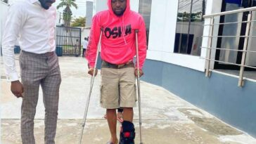 Davido Spotted Walking With Crutches After Breaking His Left Leg [Photos] 3