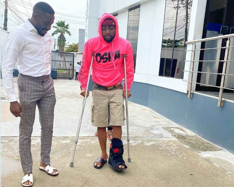 Davido Spotted Walking With Crutches After Breaking His Left Leg [Photos] 1