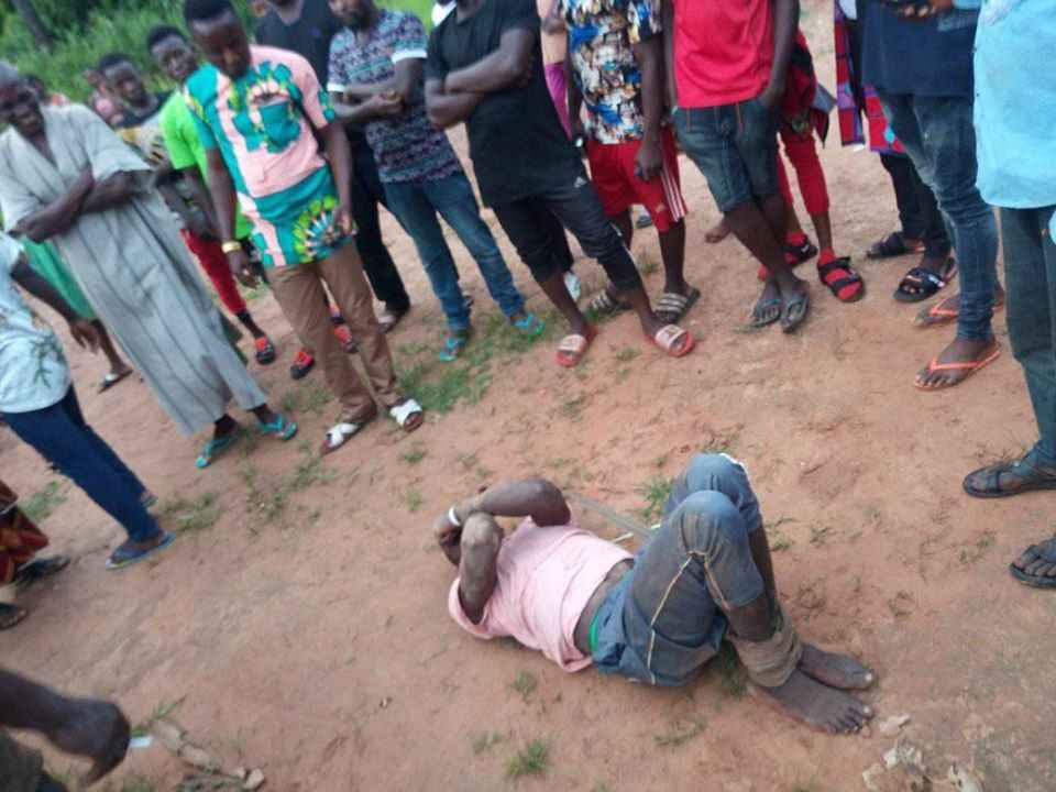 Man Beaten Mercilessly After Being Caught Defiling 6-Year-Old Girl Inside Church In Benue [Photos] 2
