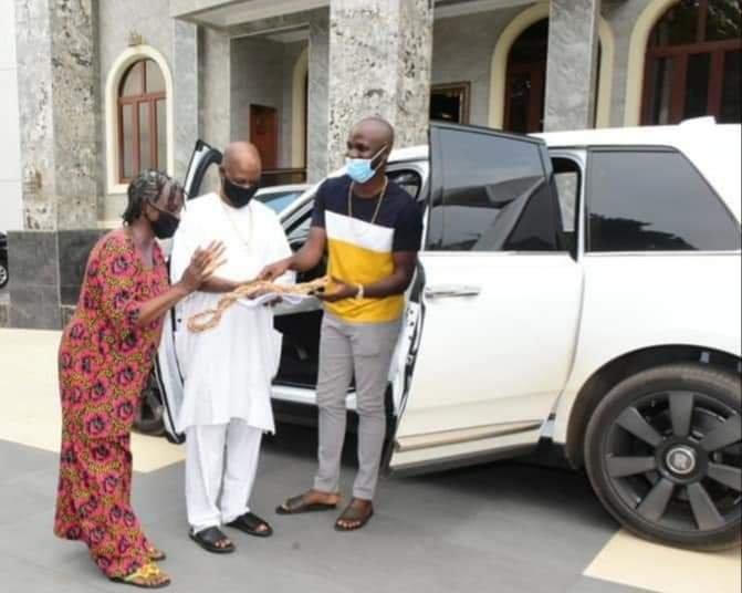 Jezco Oil Heir Jowizazaa Celebrates Dad, gifts him $400,000 Rolls Royce Cullinan [PHOTOS] 8