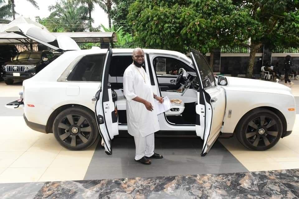 Jezco Oil Heir Jowizazaa Celebrates Dad, gifts him $400,000 Rolls Royce Cullinan [PHOTOS] 10