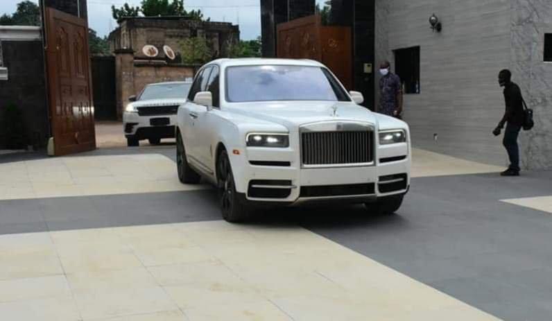 Jezco Oil Heir Jowizazaa Celebrates Dad, gifts him $400,000 Rolls Royce Cullinan [PHOTOS] 13