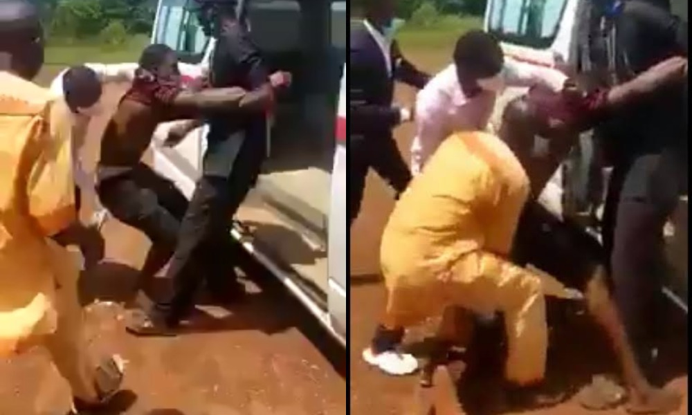 Drama As Suspected Coronavirus Patient Refuses To Get Into Ambulance In Ebonyi State [Video] 1